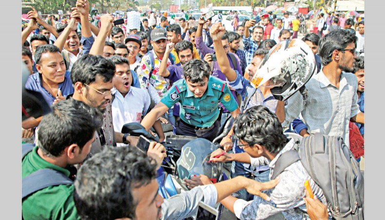 Students' protests for road safety spread